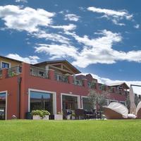 Hotel Parchi Del Garda Giardino corte interna