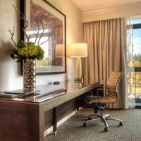 Hilton Bellevue In-Room Business Center