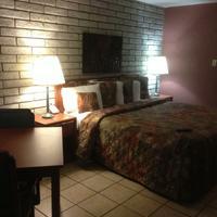 Greystone Inn Single King Smoking Room