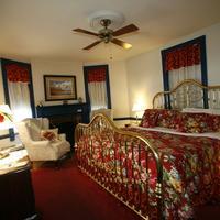 Parsonage Inn Guestroom