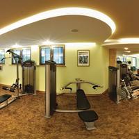 Verwöhnhotel Berghof Fitness- & Gymnastikraum mit hochwertigen Geräten