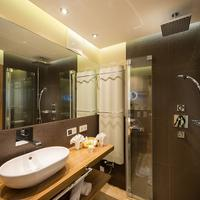 Verwöhnhotel Berghof Bathroom