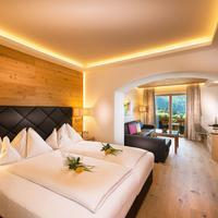 Verwöhnhotel Berghof Guestroom