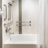 Hyatt Place Ft. Lauderdale Plantation Bathroom