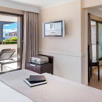Hôtel Barrière Le Gray d'Albion Guestroom