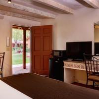 Sky Ranch Lodge Living Area