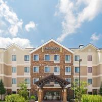 Staybridge Suites Fayetteville/Univ OF Arkansas Guestroom
