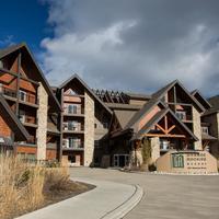 Grande Rockies Resort Hotel Front - Evening/Night