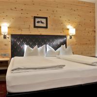 Hotel Tipotsch Guestroom