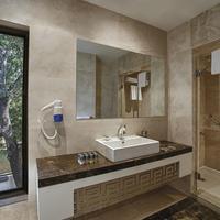 Voyage Torba Bathroom