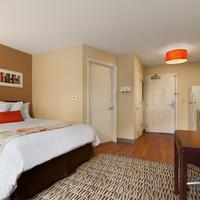 Hawthorn Suites by Wyndham Detroit Auburn Hills Guestroom