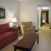Red Roof Inn Tupelo Suite
