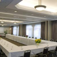 Cartier Place Suite Hotel Meeting Room