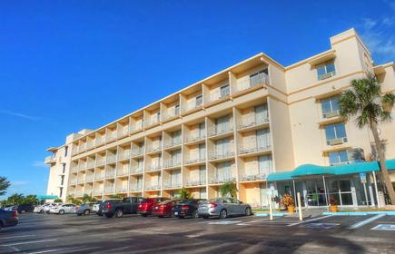 Howard Johnson Resort Hotel - St. Pete Beach FL