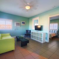 Hollywood Beachside Boutique Suites Living Area