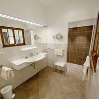 Gartenhotel & Weingut Pfeffel Bathroom