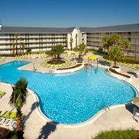 Avanti International Resort Pool