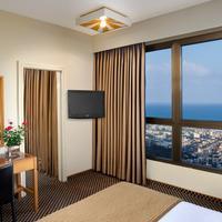 Dan Panorama Haifa Guest room